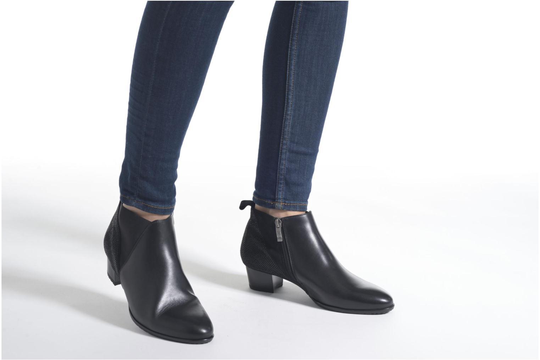 Bottines et boots Ara Padua 42121 Noir vue bas / vue portée sac