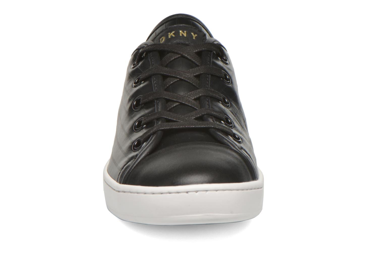Baskets DKNY Brayden Classic court Noir vue portées chaussures