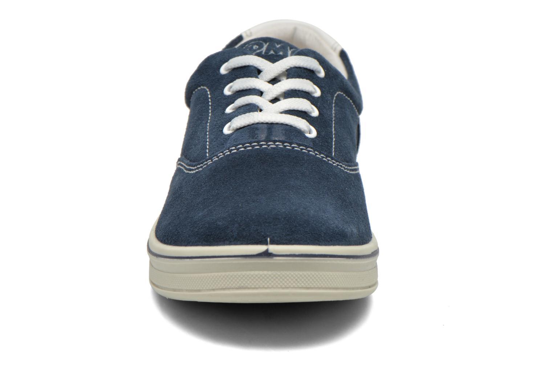 Sneakers Primigi Alienor Azzurro modello indossato
