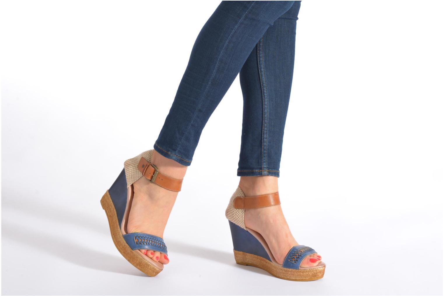 Sandali e scarpe aperte Pikolinos Villajoyos 977-8122 Azzurro immagine dal basso