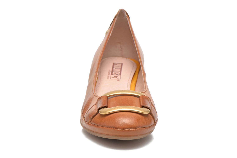 Zapatos de tacón Pikolinos Valencia H950-7735 Marrón vista del modelo