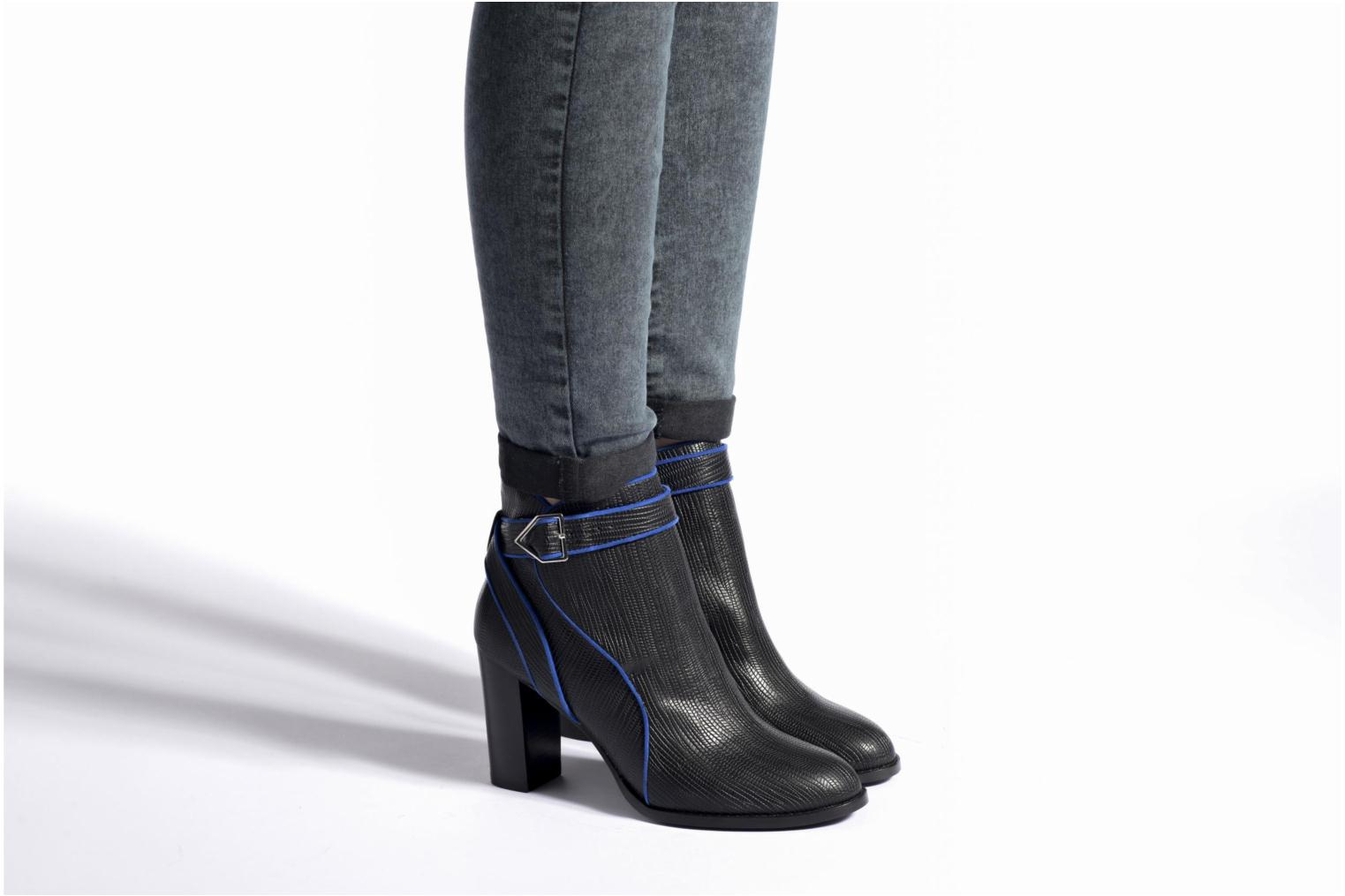 Ankle boots Mellow Yellow Alida Black view from underneath / model view