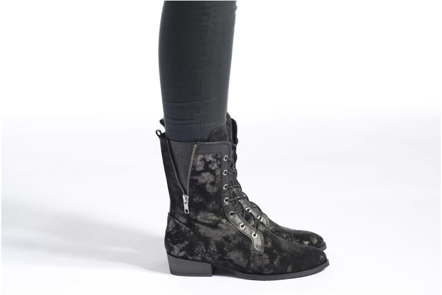 Ankle boots Softwaves Bowie 02 Black view from underneath / model view