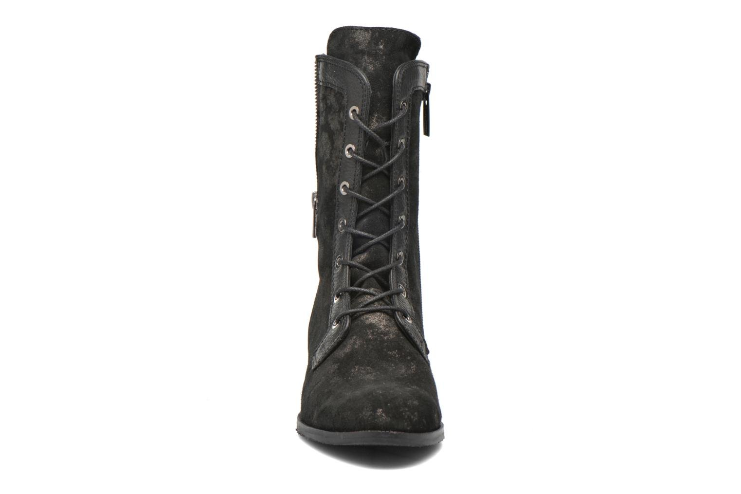 Ankle boots Softwaves Bowie 02 Black model view