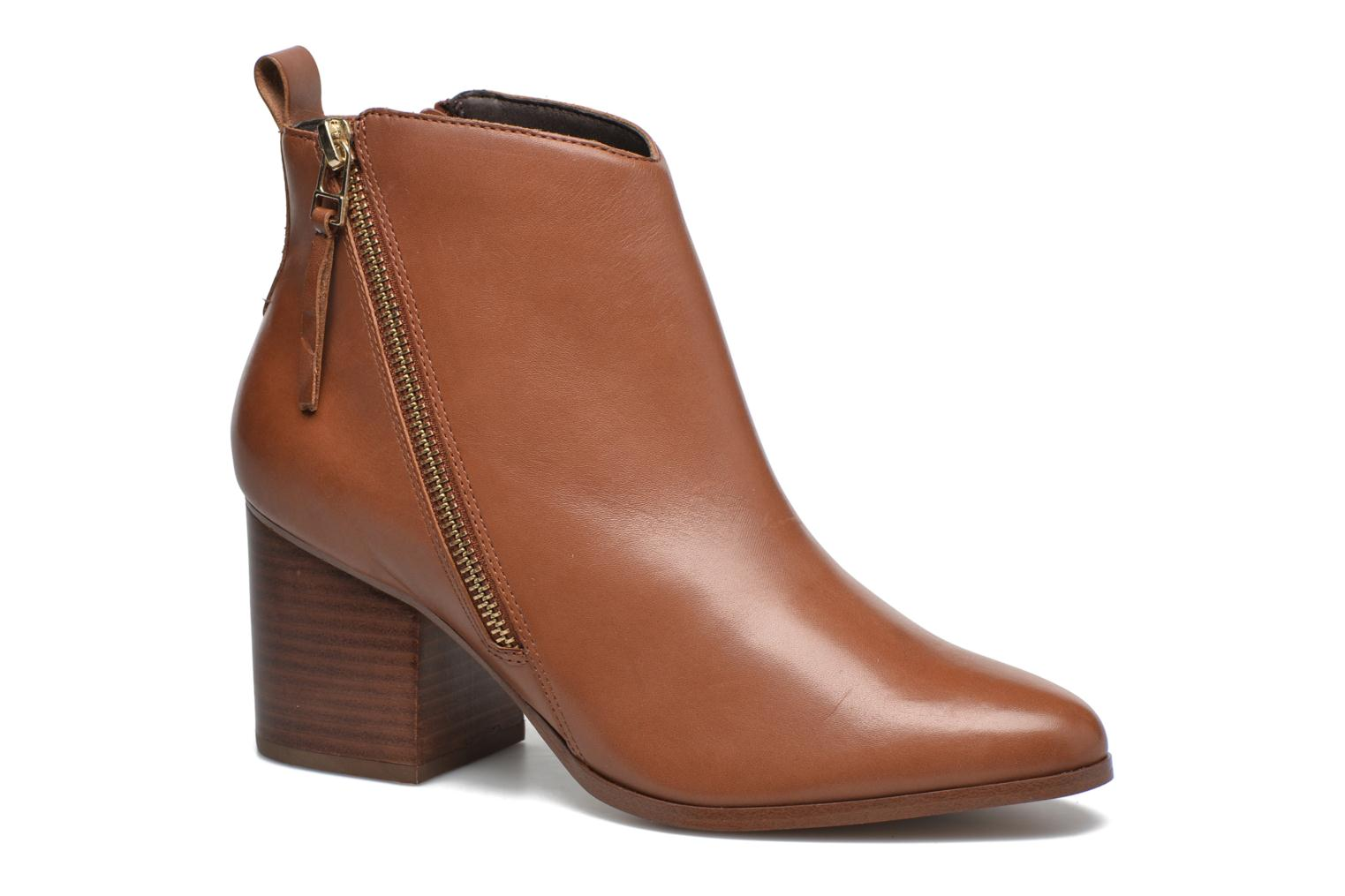 Ankle boots André Paolina Brown detailed view/ Pair view