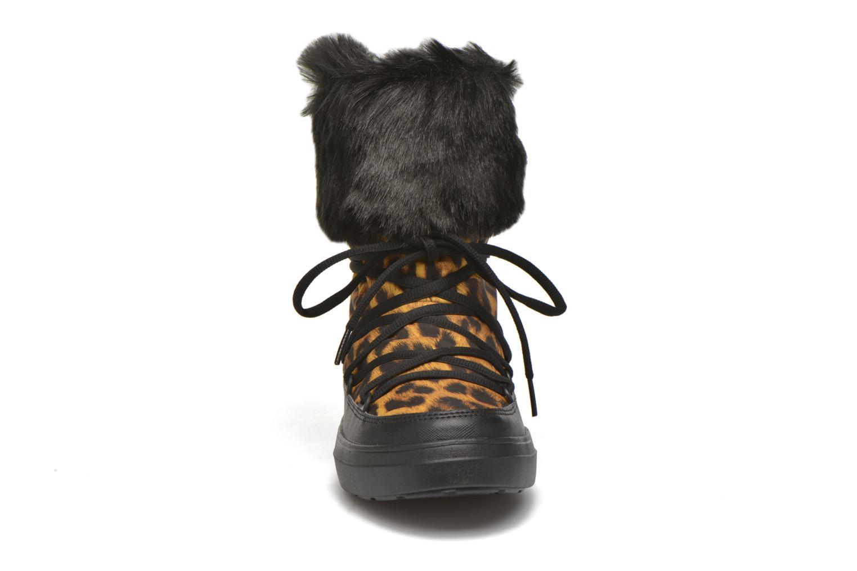 Botines  Crocs Lodgepoint Lace Boot W Negro vista del modelo