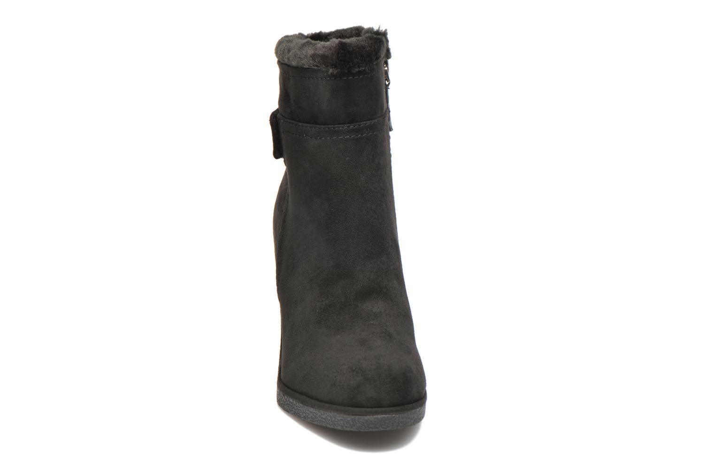 Bottines et boots Guess Monia Noir vue portées chaussures