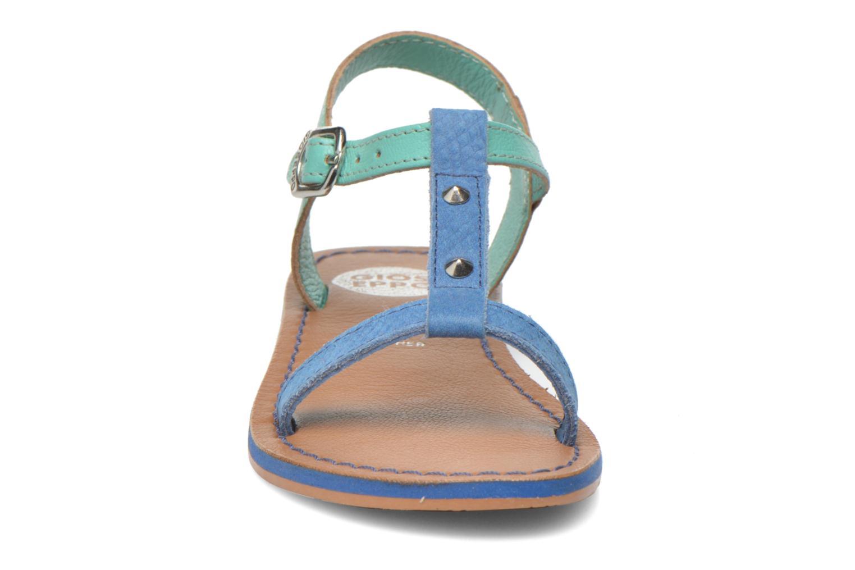Sandali e scarpe aperte Gioseppo Rose Azzurro modello indossato