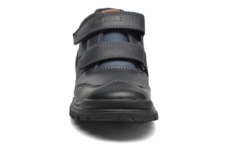 Baskets Geox JR William J54E6B Gris vue portées chaussures