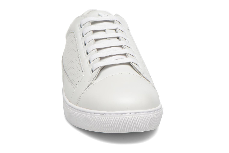 Sneakers Armani Jeans Francesco Vit bild av skorna på