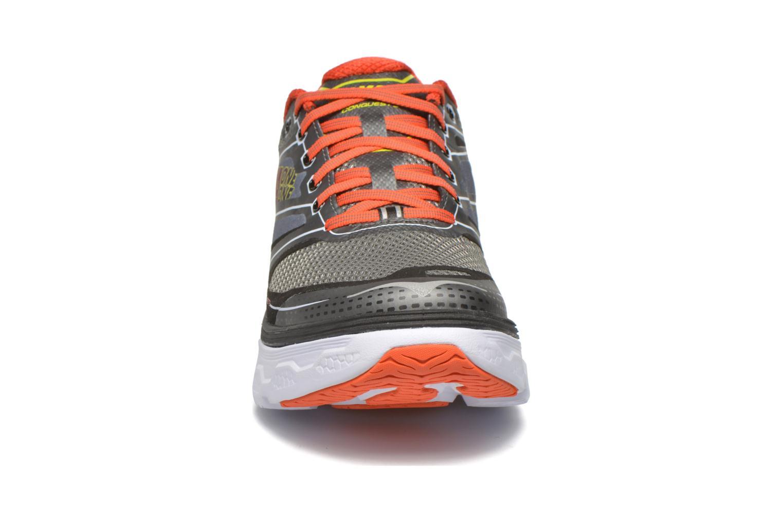 Chaussures de sport Hoka One One Conquest 3 Gris vue portées chaussures