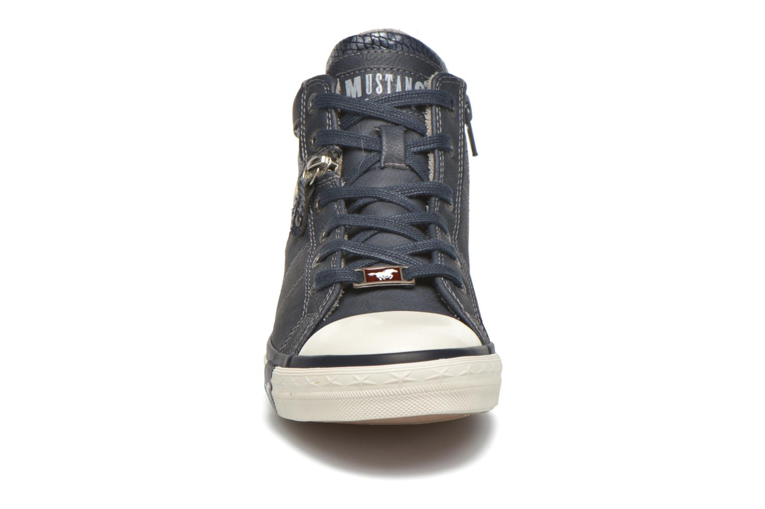 Trainers Mustang shoes Leni Blue model view