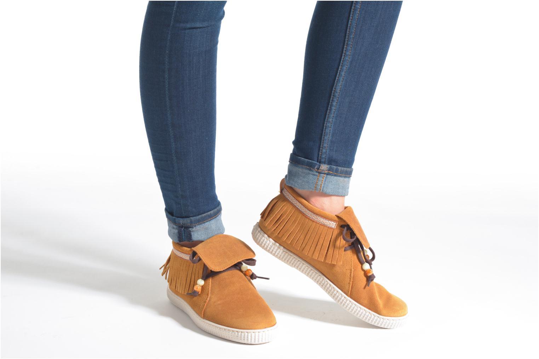Sneaker Victoria Botin Flecos Serraje F braun ansicht von unten / tasche getragen