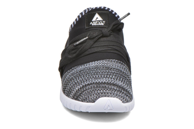 Sneakers Asfvlt Area Low W Nero modello indossato