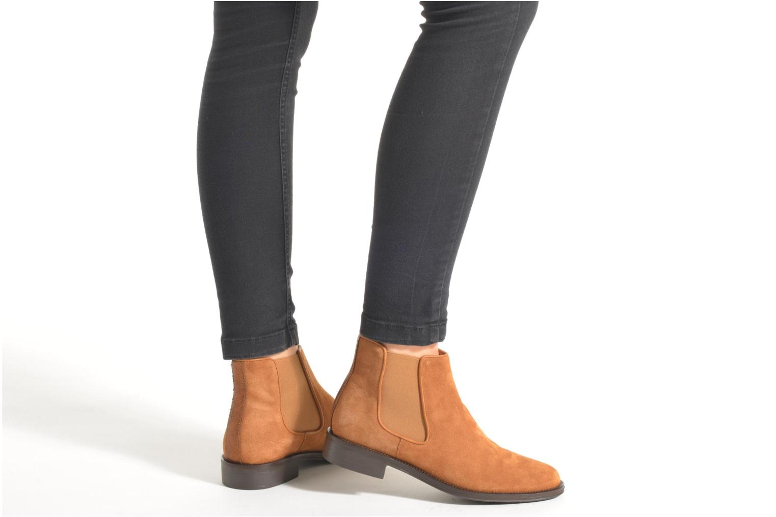 Ankle boots Schmoove Woman Newton chelsea suede Grey view from underneath / model view