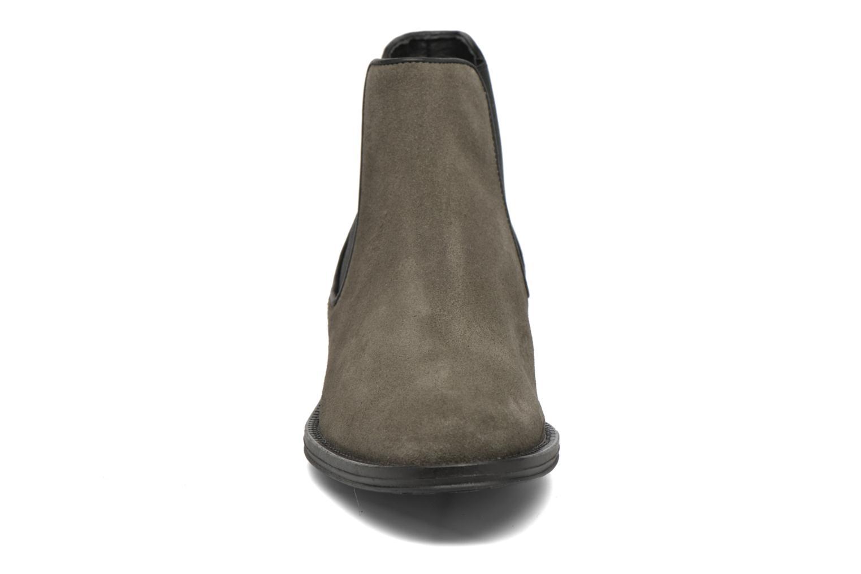 Bottines et boots Schmoove Woman Newton chelsea suede Gris vue portées chaussures