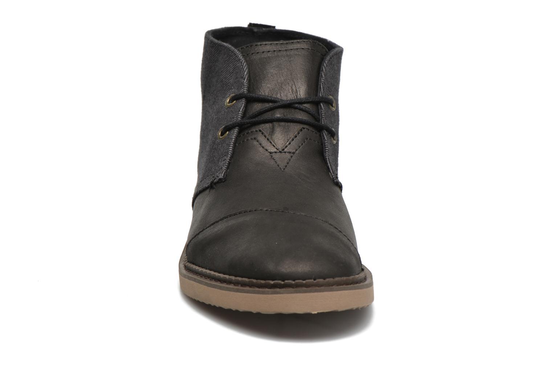 Chaussures à lacets TOMS Mateo Chukka Noir vue portées chaussures
