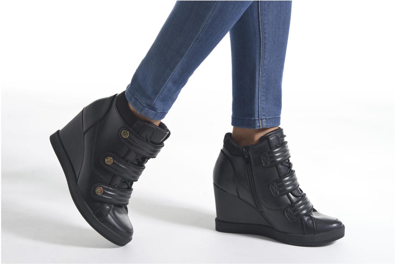 Sneaker Aldo AILIA schwarz ansicht von unten / tasche getragen