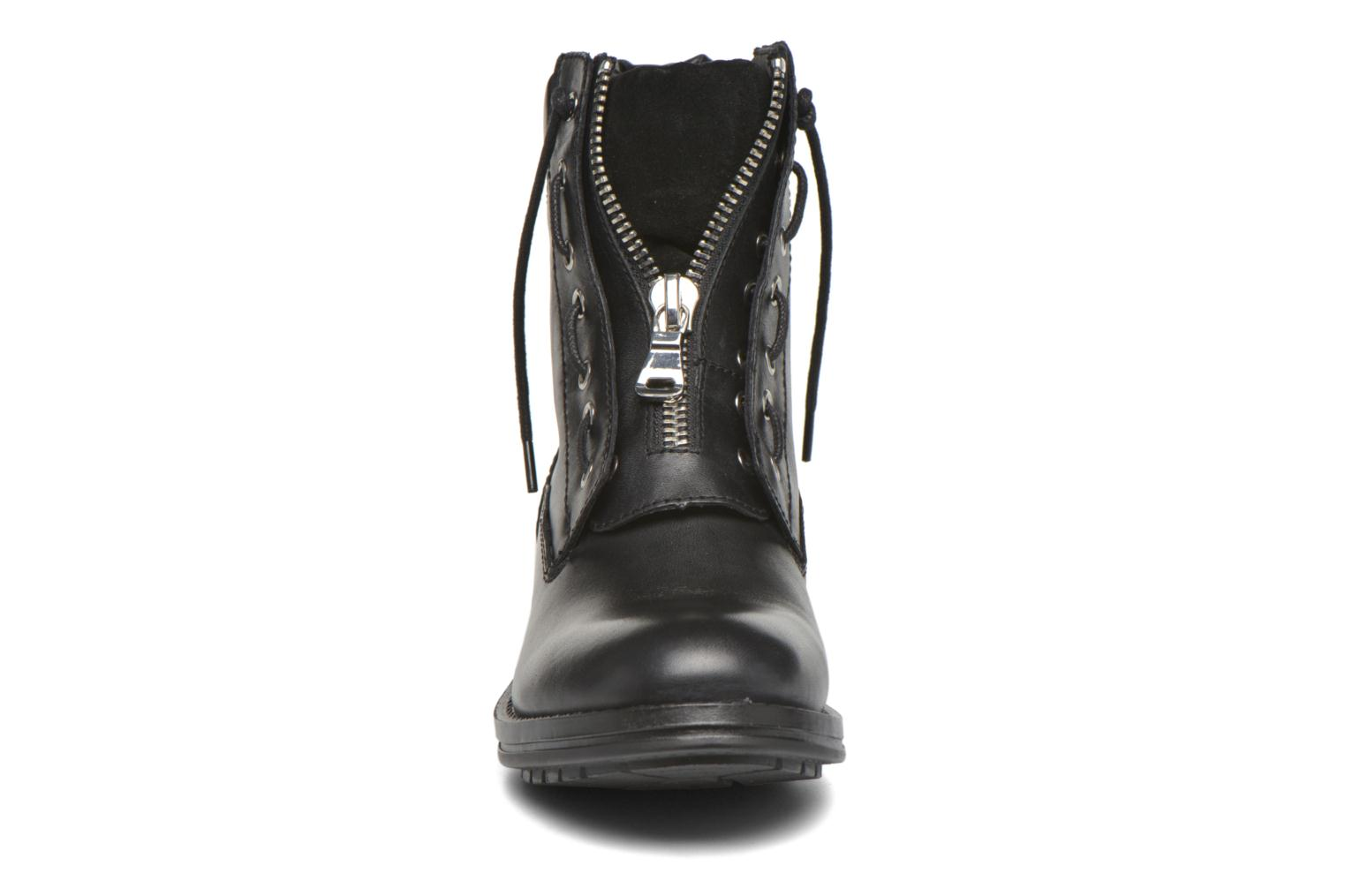 ISAACA Black Leather97