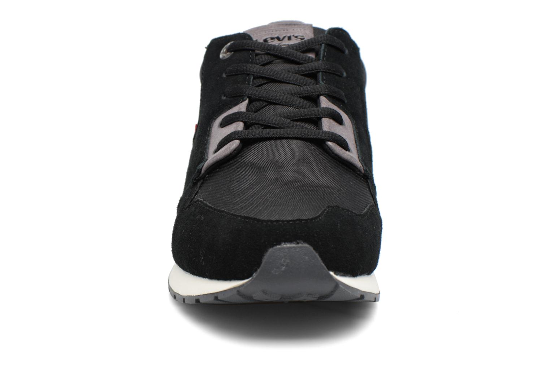 Baskets Levi's NY Runner II Noir vue portées chaussures