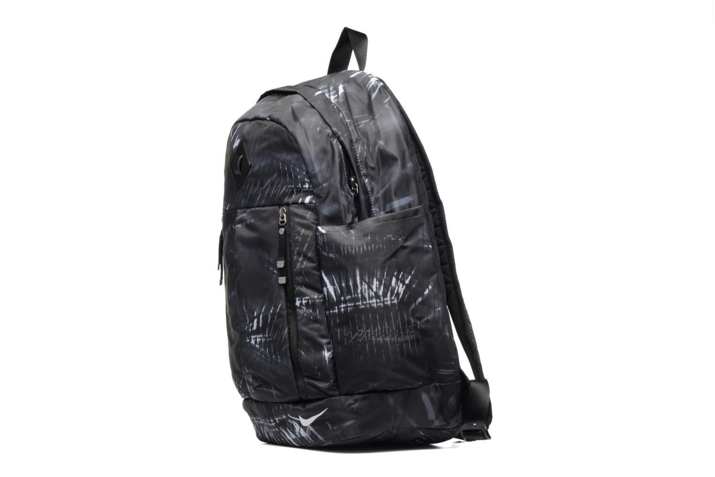 Sacs à dos Nike Auralux backpack Sac à dos Gris vue portées chaussures