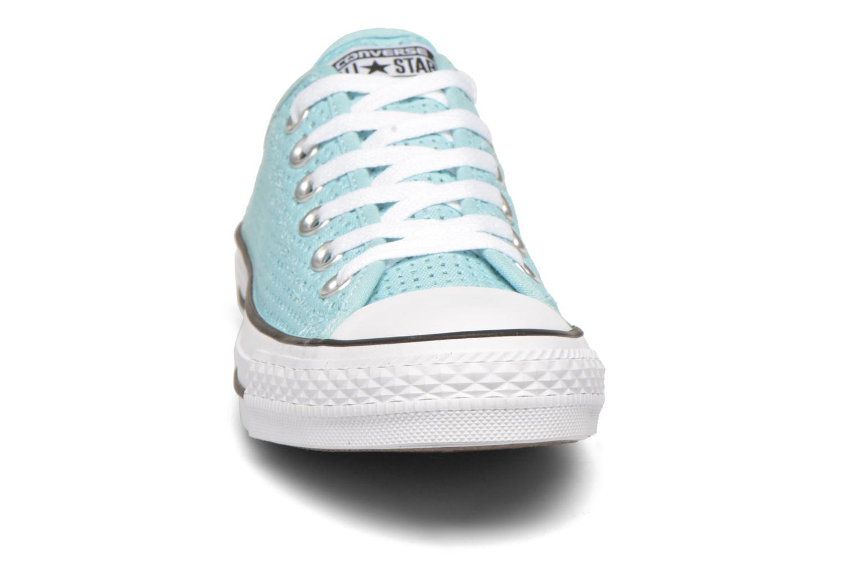Baskets Converse Chuck Taylor All Star Perforated Canvas W Bleu vue portées chaussures