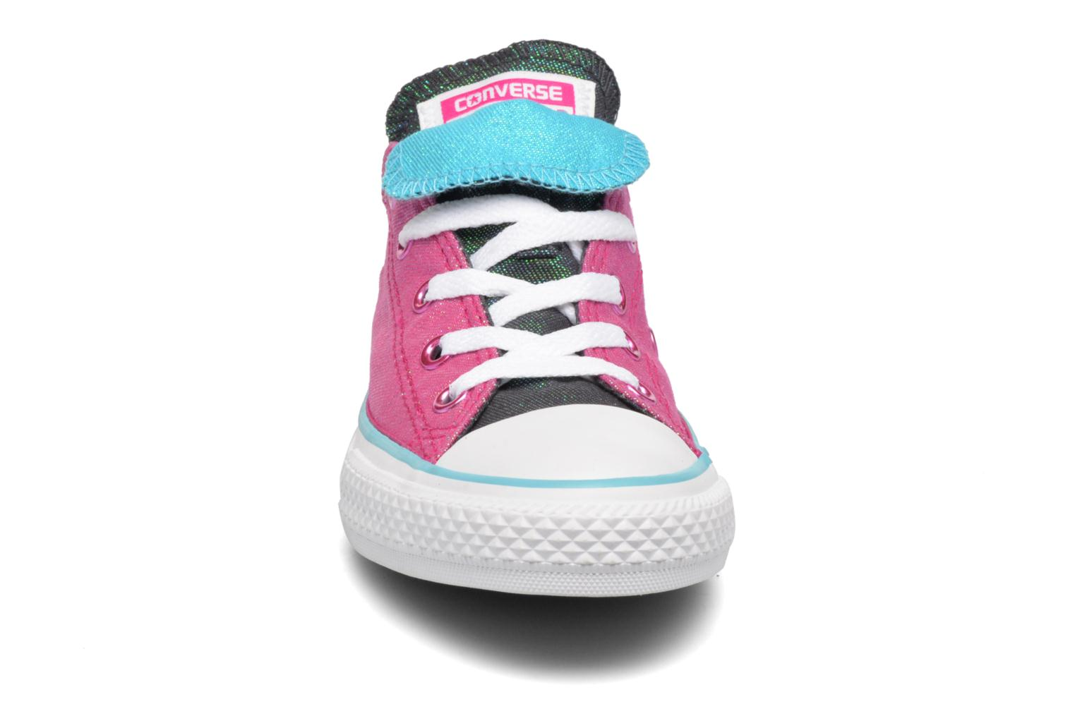 Sneakers Converse Chuck Taylor All Star Double Tongue Ox Kid Viola modello indossato