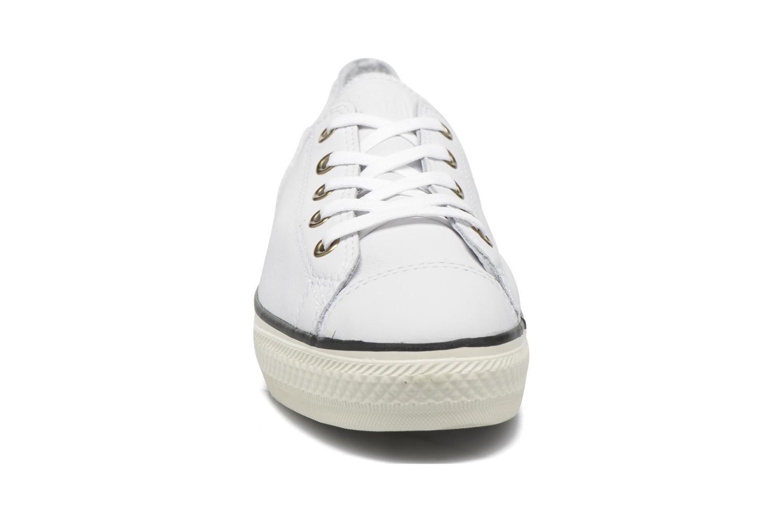 Baskets Converse Chuck Taylor All Star High Line Ox Blanc vue portées chaussures