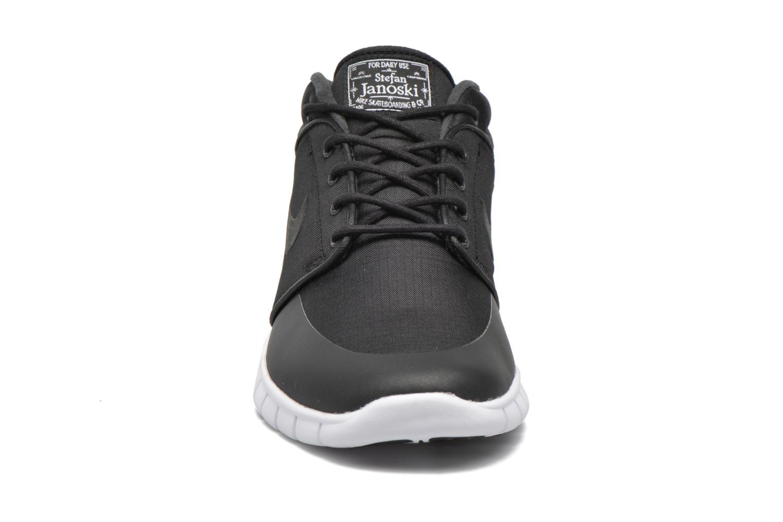 Baskets Nike Nike Stefan Janoski Max Mid Noir vue portées chaussures