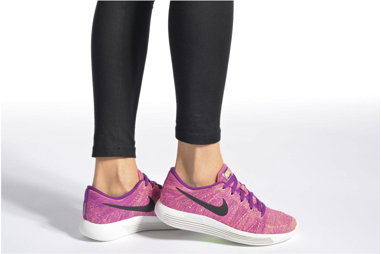 Sportschuhe Nike W Nike Lunarepic Low Flyknit lila ansicht von unten / tasche getragen