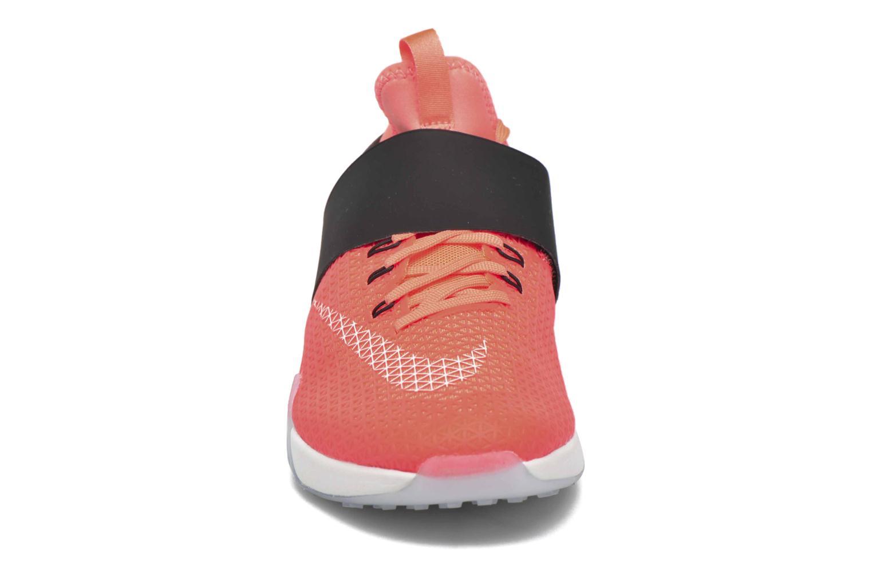 Chaussures de sport Nike Wmns Nike Air Zoom Strong Orange vue portées chaussures