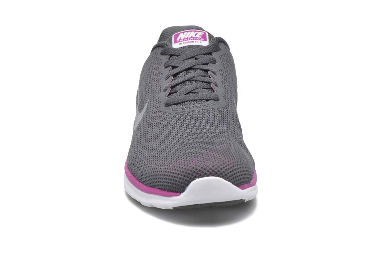 Chaussures de sport Nike Wmns Nike In-Season Tr 6 Gris vue portées chaussures