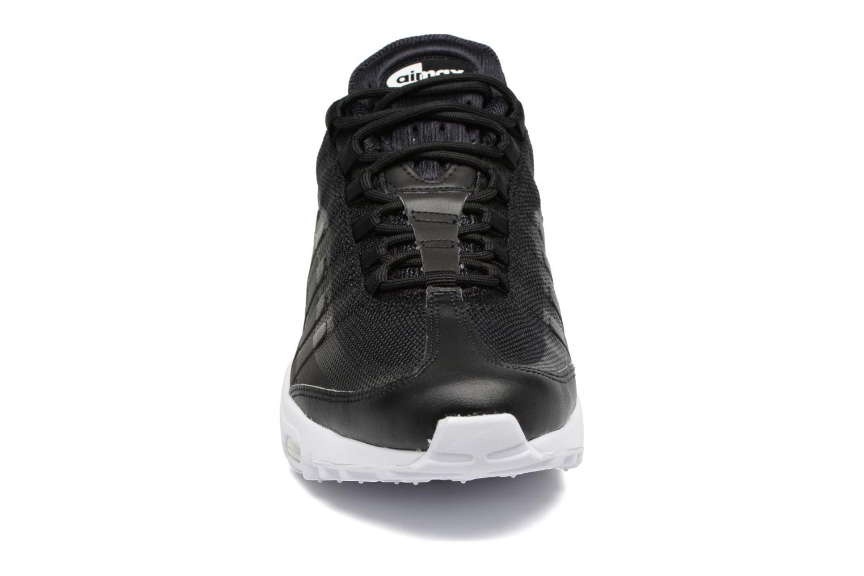 Baskets Nike Air Max 95 Ultra Essential Noir vue portées chaussures