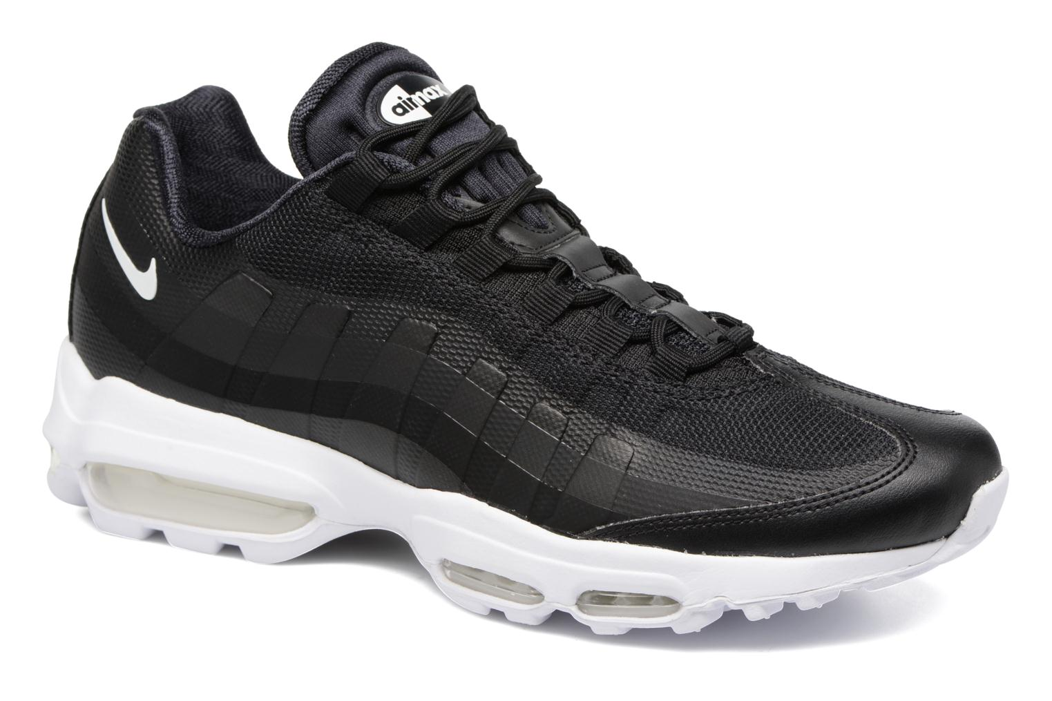 Trainers Nike Air Max 95 Ultra Essential Black detailed view/ Pair view