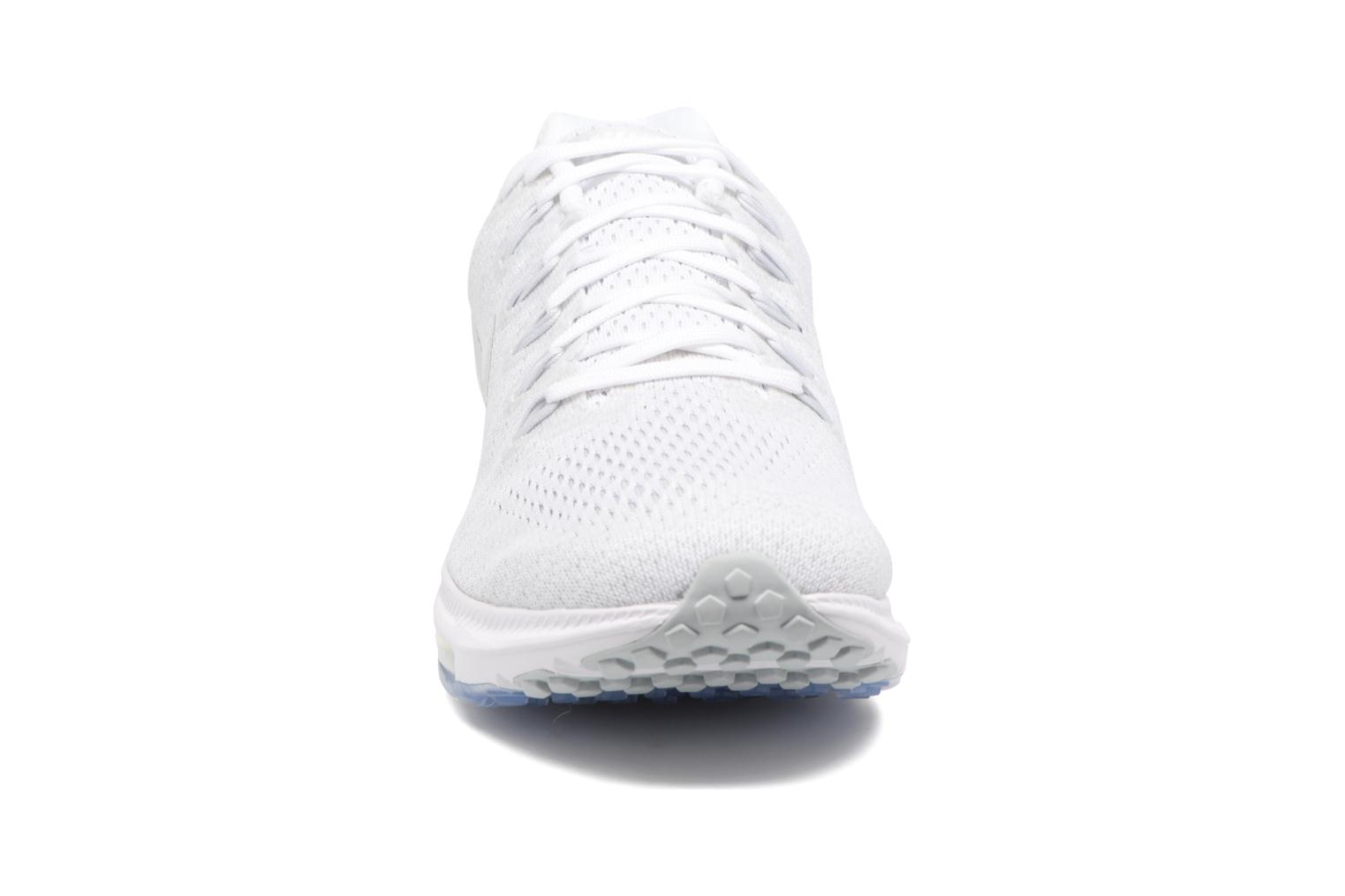 Chaussures de sport Nike Nike Zoom All Out Low Blanc vue portées chaussures