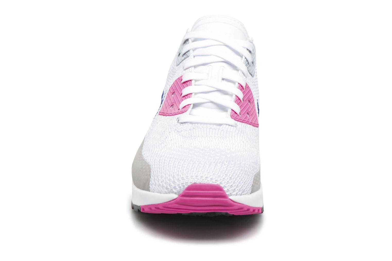 Sneakers Nike W Air Max 90 Ultra 2.0 Flyknit Bianco modello indossato