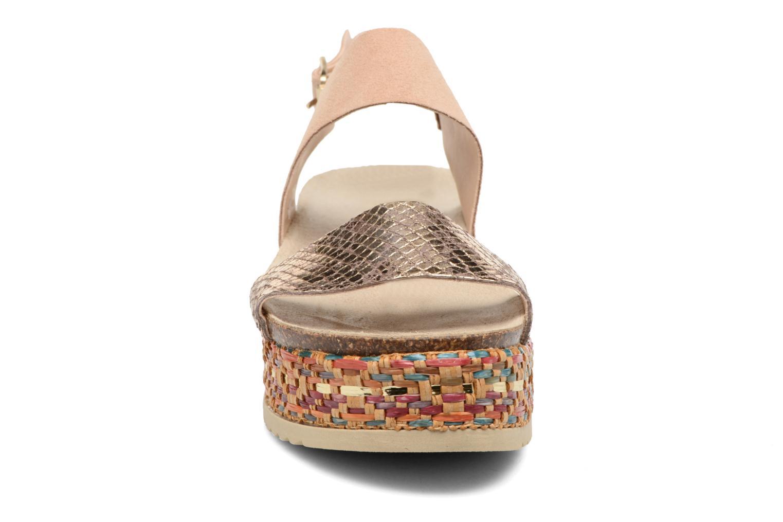Sandales et nu-pieds Bullboxer Evere Beige vue portées chaussures