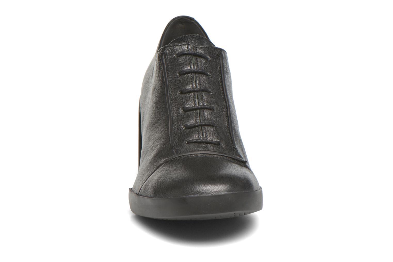 Bottines et boots Camper Lotta Lace Noir vue portées chaussures