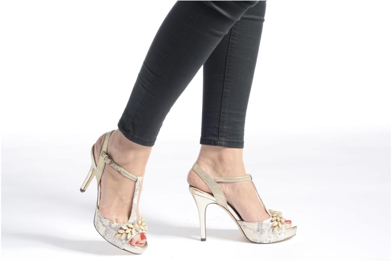 Zapatos de tacón Menbur Lisa Amarillo vista de abajo