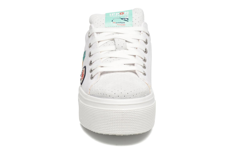 Sneakers Ippon Vintage Tokyo Patch Bianco modello indossato