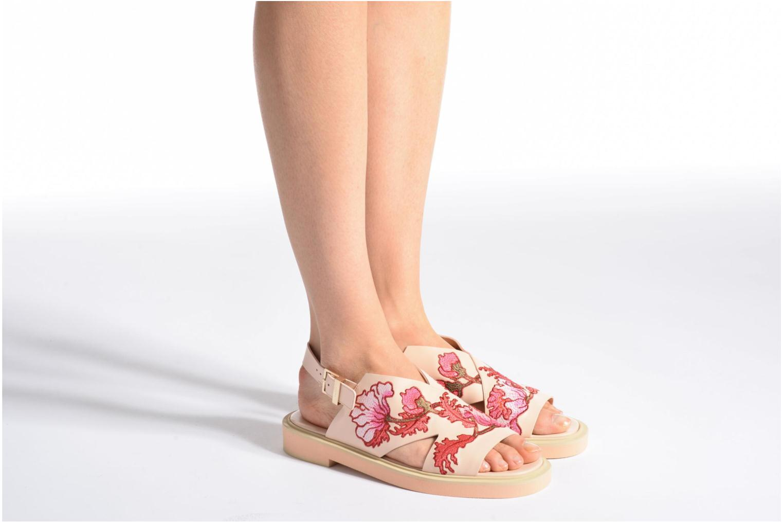 Sandales et nu-pieds Carven Butterfly Sandal Rose vue bas / vue portée sac