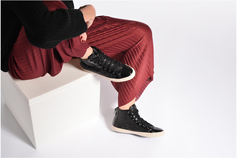 Sneaker Geox D NEW CLUB E D5458E schwarz ansicht von unten / tasche getragen