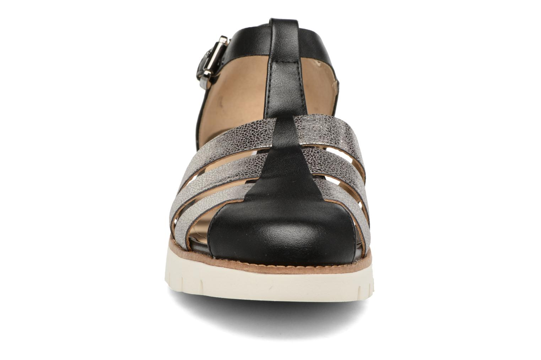 Sandali e scarpe aperte Geox D DARLINE D D721YD Nero modello indossato