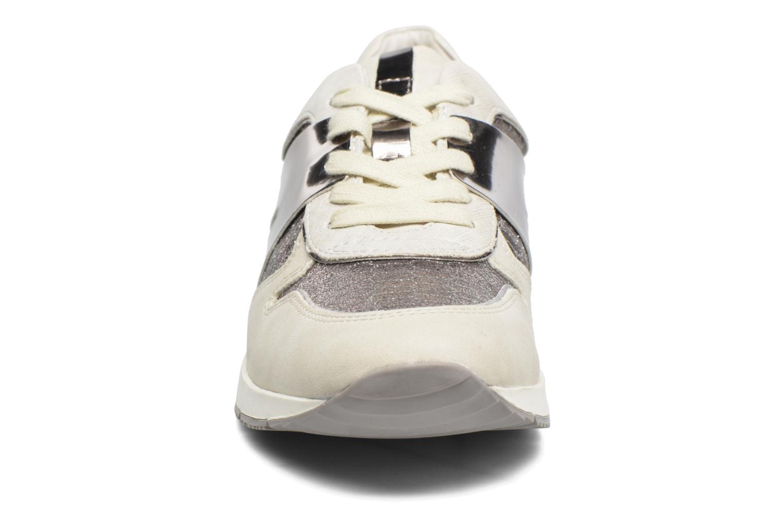 Baskets Tamaris Œillet Beige vue portées chaussures