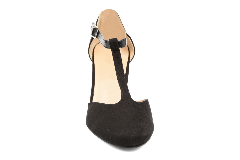 Zapatos de tacón Divine Factory Dock Negro vista del modelo