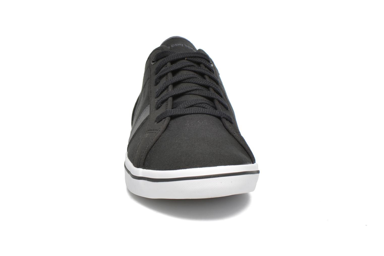 Sneakers Le Coq Sportif Aceone CVS Nero modello indossato