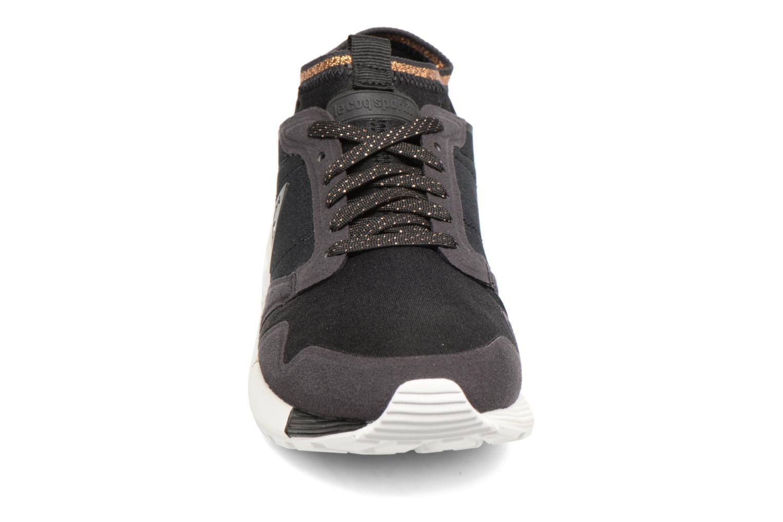 Baskets Le Coq Sportif Omicron W Metallic Noir vue portées chaussures