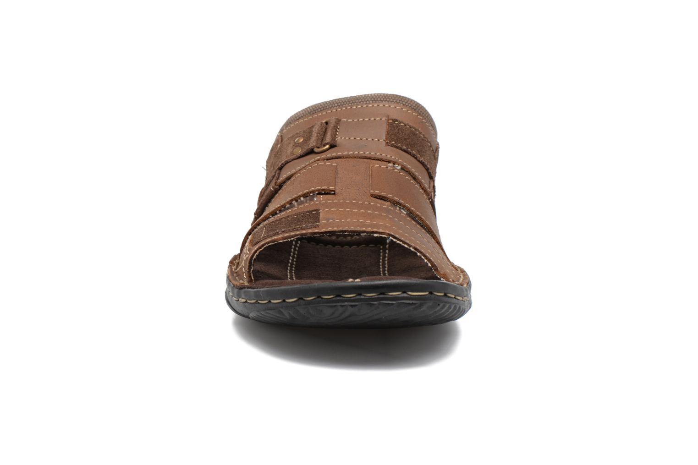 Sandales et nu-pieds Roadsign Geo Marron vue portées chaussures