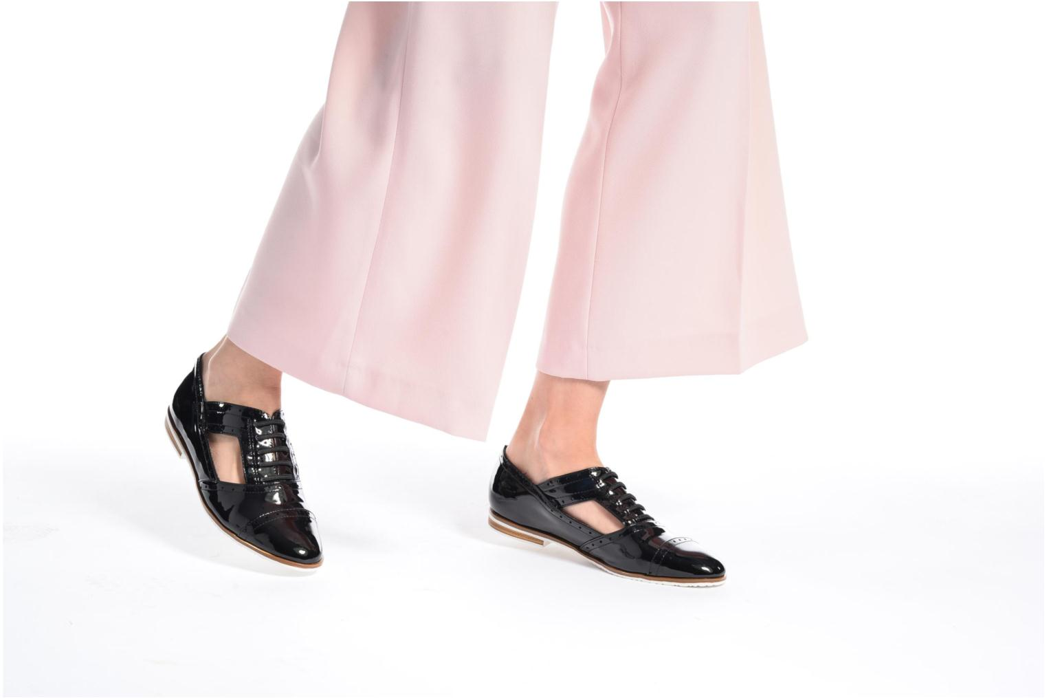Lace-up shoes I Love Shoes BLEST Black view from underneath / model view