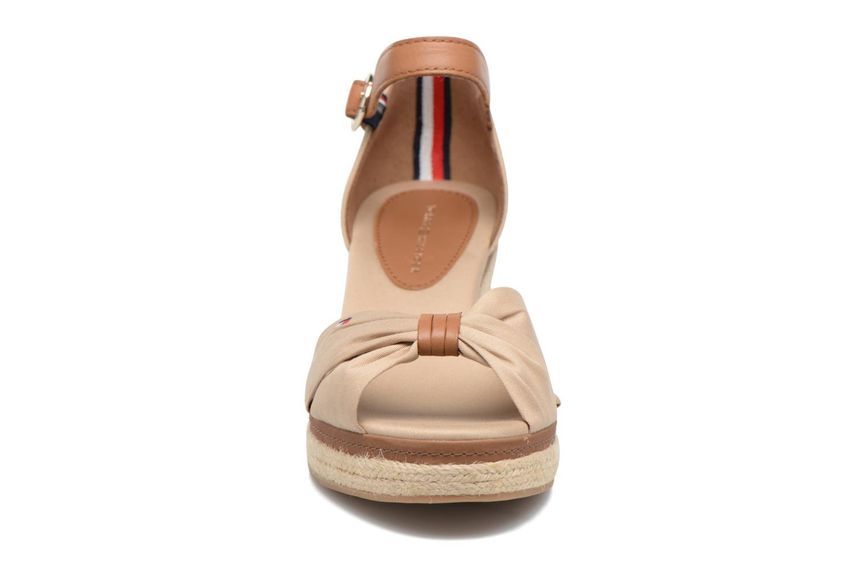 Espadrilles Tommy Hilfiger Elba 40D Beige vue portées chaussures